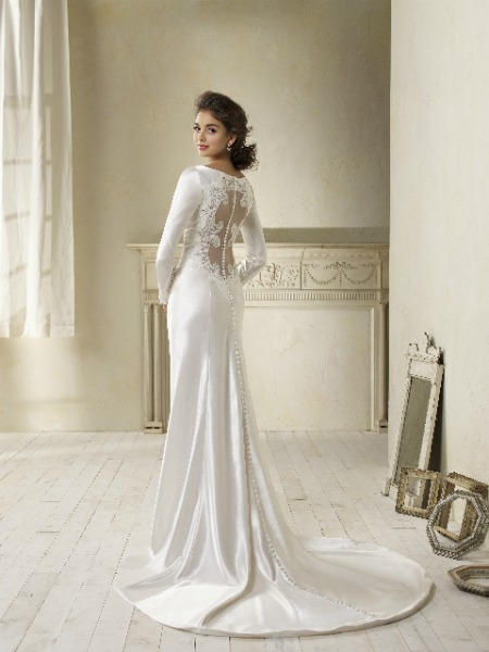 twilight-breaking-dawn-bella-swan-wedding-dress-alfred-angelo-2